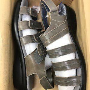 Propet Women's Aurora Wedge Sandal, Grey, 9 W US